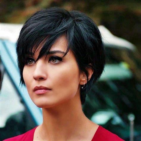 Senaste Frisyrerna by Pin Tillagd Av Hairstyles Catalog P 229 Black Hair