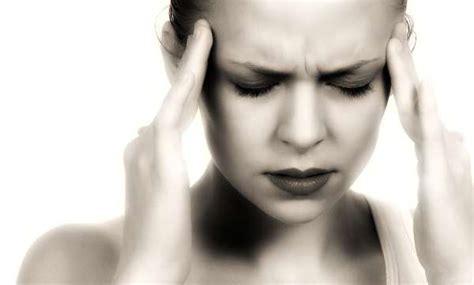 mal di testa stress lo stress peggiora il mal di testa tempi it