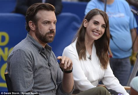 alison brie relationship alison brie and jason sudeikis reveal that they almost