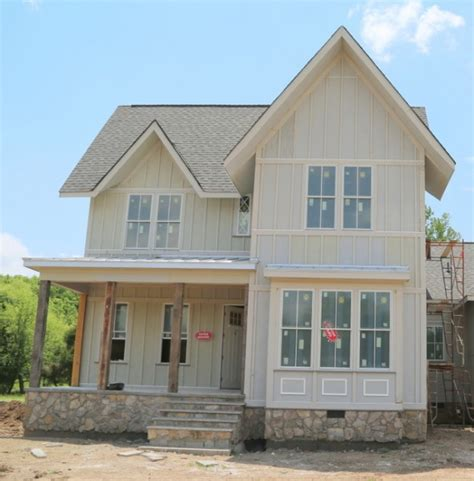 Colors That Calm You Down Exterior Paint Colors Painting The Body And Trim The