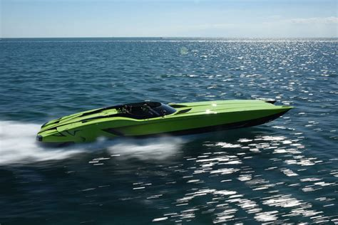 lamborghini aventador superveloce boat une lamborghini aventador superveloce et le yacht qui va