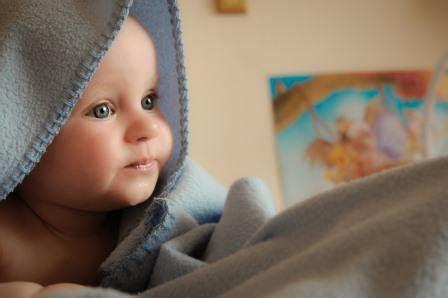 baby unruhiger schlaf babys m 252 ssen schlafen lernen beistellbett f 252 r babys