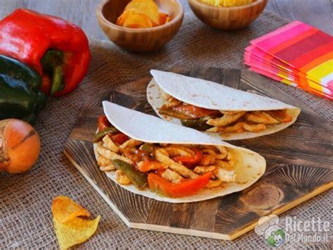 cucina messicana fajitas fajitas di pollo messicane ricettedalmondo it