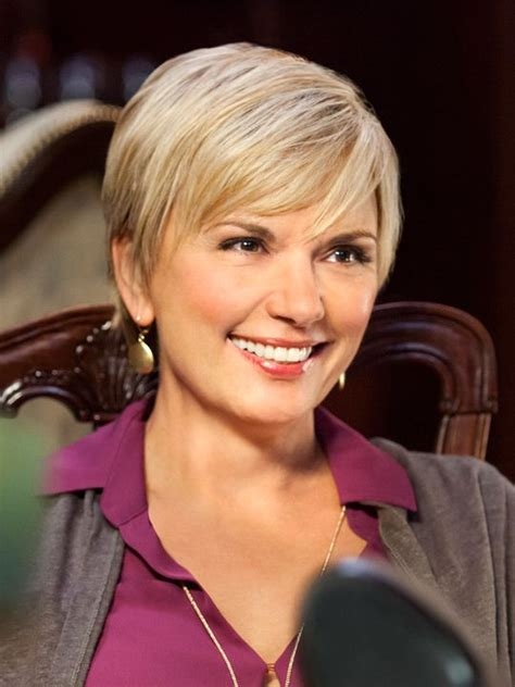 i need a sexy hair style for turning 40 teryl rothery cedar cove sexy short hair styles
