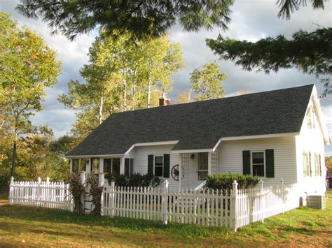 White Cottage Rental by Vacation Rentals Cottage Conway Nh Alpine Moose Cottage Farm By The River