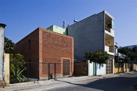 Concrete Block House termitary house tropical space archdaily