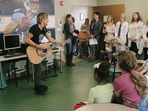 keith urban country comfort keith urban kicks off 10th anniversary of musicians on