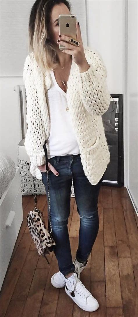 winterschuhe trends   white sneakers outfit
