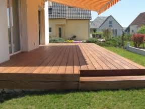 dalle de terrasse en bois faire une terrasse en bois sur une dalle beton mzaol