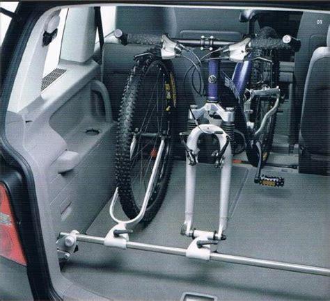 Fahrradhalter F R Auto Innenraum by Innenraum Fahrradtr 228 Ger F 252 R Vw Touran Sharan U A In