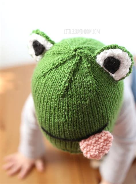knitted frogs frog hat knitting pattern window