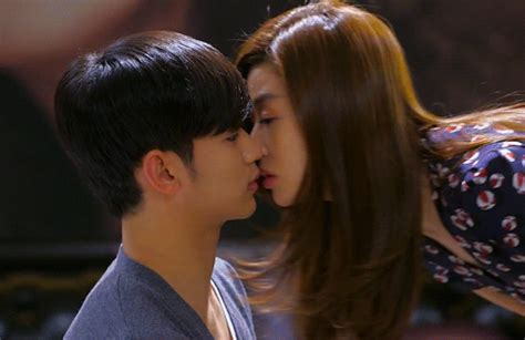korean actress good kisser star gif find share on giphy