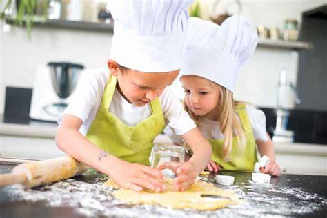 corsi cucina bambini piccoli pasticceri all arrembaggio varese per i bambini