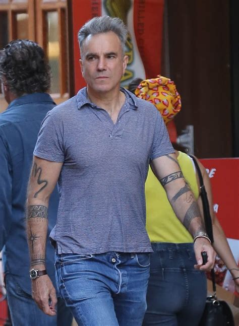 daniel day lewis tailor daniel day lewis out in new york with great hair lainey