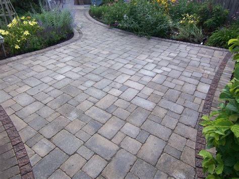 pavimento da giardino prezzi pavimentazione giardino pavimenti per esterni consigli