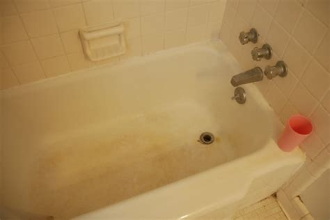 how to get stains out of the bathtub how to get stains out of the bathtub 28 images 25 best