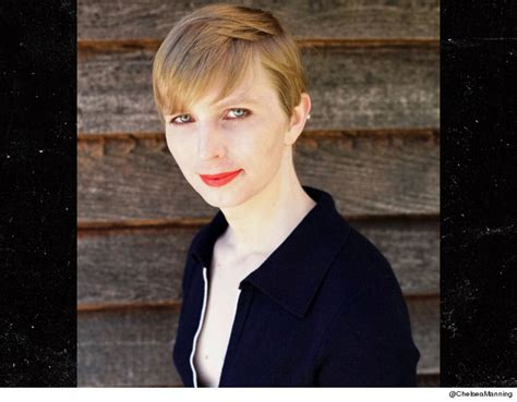 chelsea menang chelsea manning posts first head shot photo since prison
