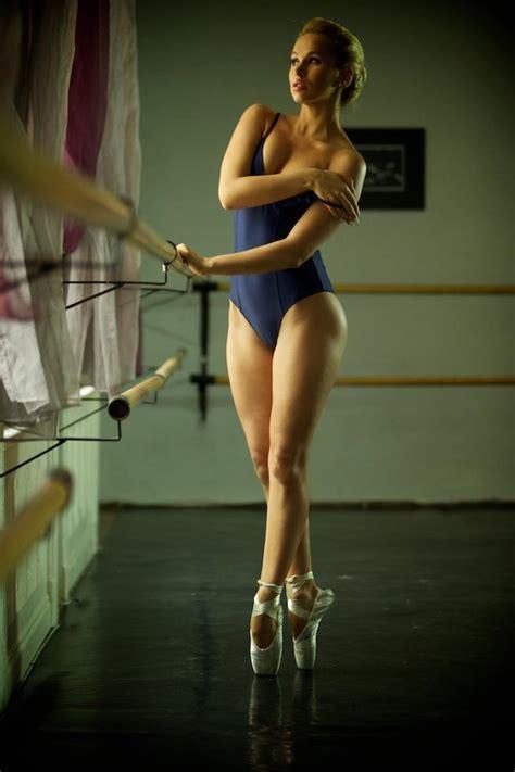 Aleska Diamond Naked Ballet Practice