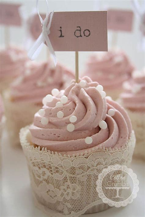 cupcake decorating bridal shower ideas 25 best ideas about bridal shower cupcakes on