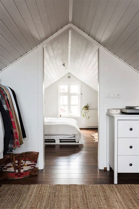 attic loft bedroom best 25 attic bedrooms ideas on pinterest loft storage small attic bedrooms and attic