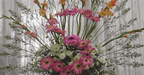 types of flower arrangement delhi florists different types of flower arrangements