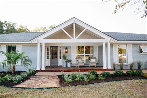 fixer upper house magnolia farms hgtv on pinterest newhairstylesformen2014 com