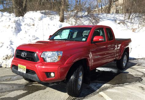 truck toyota 2015 review 2015 toyota tacoma is your weekend getaway truck
