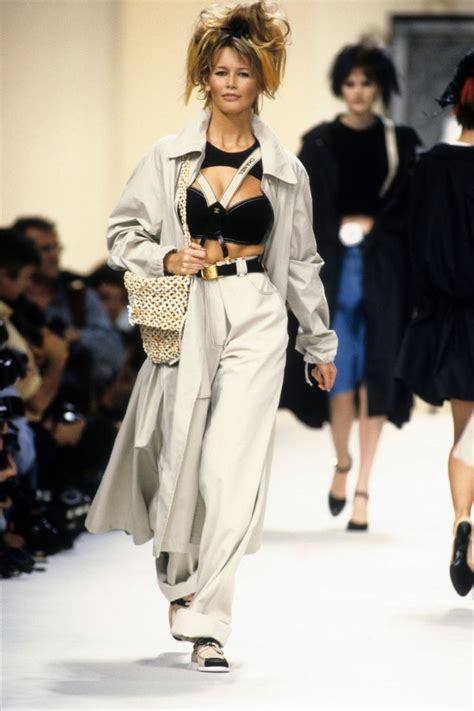 Catwalk To Carpet Schiffer In Chanel by 100 Best Chanel Por Karl Lagerfeld Images On