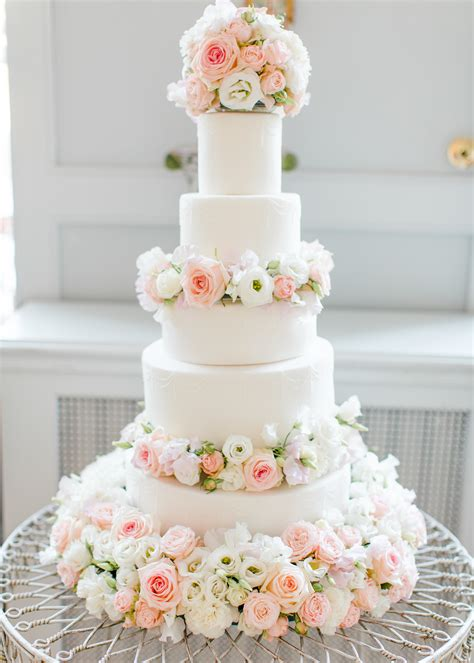 how to make a fresh flower wedding cake topper ehow cherie kelly dusty pink and white fresh flowers floral
