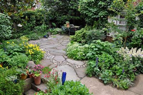 small backyard designs no grass best 25 no grass landscaping ideas on pinterest no grass yard flowering ground