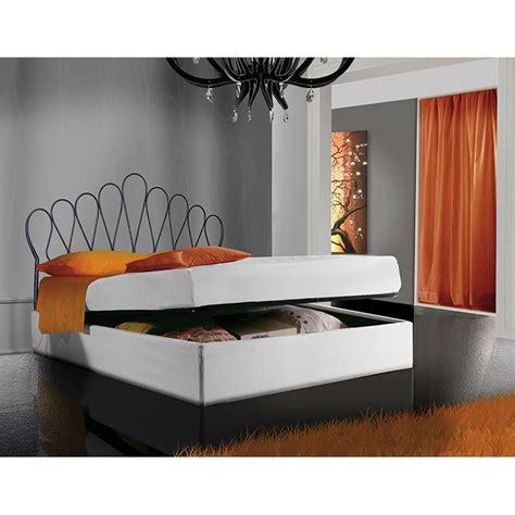 da letto con letto in ferro battuto letto matrimoniale in ferro battuto sestante viadurini