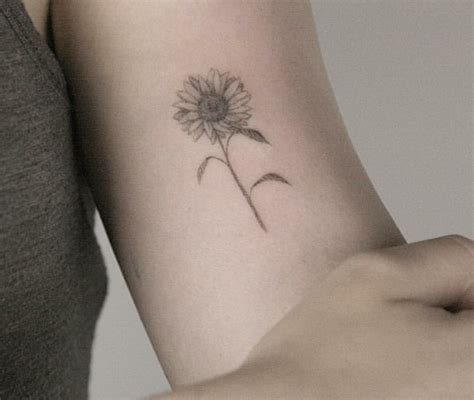 simple sunflower tattoo dainty sunflower tattoos sunflowers