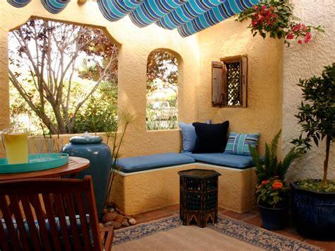 spanish style stucco patio porch bungalow  house
