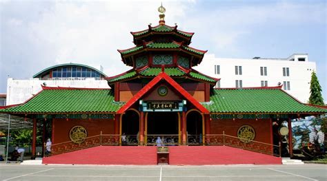 Masjid Cheng Ho Wisata Religi di Surabaya Jawa Timur