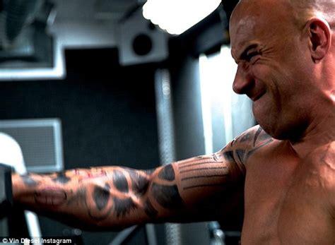 nueva ley sobre los tatuajes 2016 newhairstylesformen2014com vin diesel mostr 243 los tatuajes temporales que se hizo y