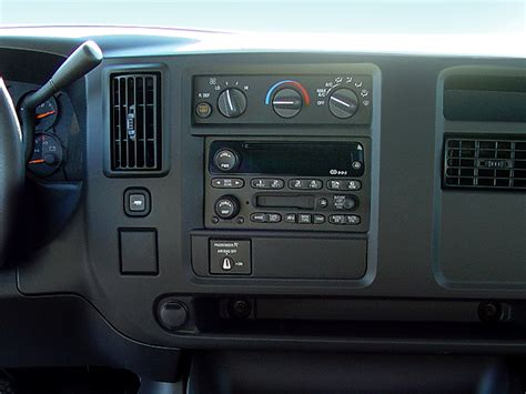 how cars run 2006 chevrolet express 2500 instrument cluster 2006 chevrolet express intellichoice review automobile magazine