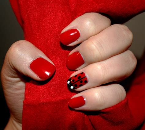 easy nail art ladybug 42 cute ladybug nail art designs nail design ideaz