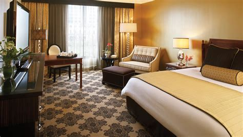 rooms in houston tx luxury houston guest rooms and suites omni houston hotel
