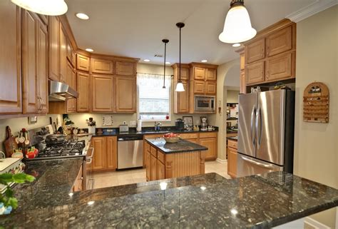 kitchen wall colors with maple cabinets pretty maple kitchen cabinets home design ideas best