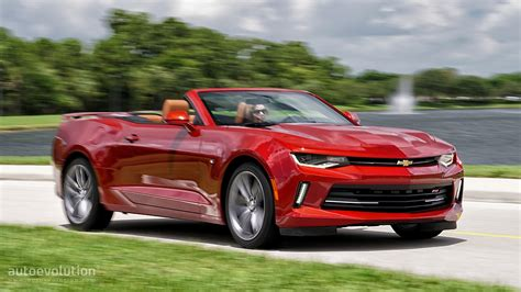 camero convertible driven 2016 chevrolet camaro rs convertible autoevolution