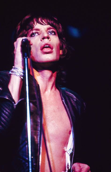 Mick Jagger Abandons Tour To Be With Sick by Best 25 Rolling Stones Ideas On