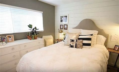 Shiplap Bedroom Wall 1000 Images About Bedroom Ideas On