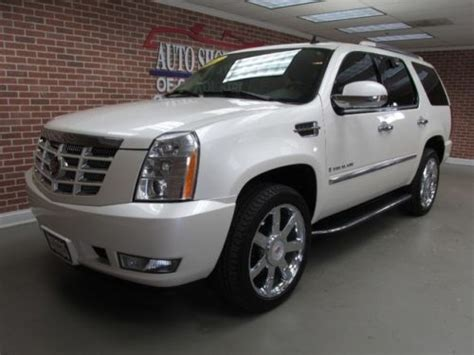 cadillac escalade navigation sell used 2007 cadillac escalade navigation white
