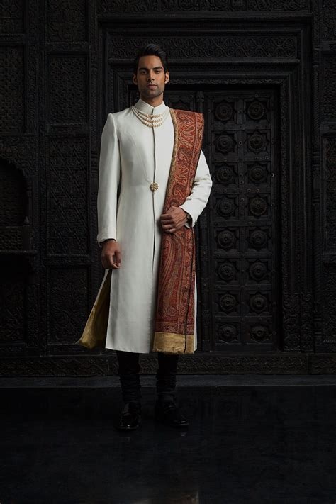 Indian Fashion   Tarun Tahiliani   Modern Mughal?s