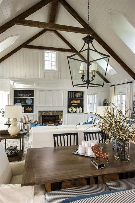 4 stylish homes with slanted ceilings best 20 vaulted ceiling decor ideas on pinterest