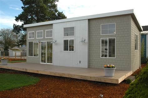 ideabox modern pre fab park model home