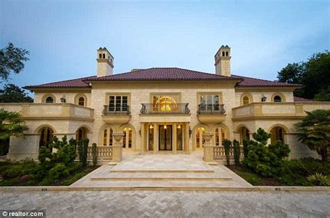 Detroit Mansions For Cheap by Inside Atlanta S Most Expensive Home With 11 Bathrooms