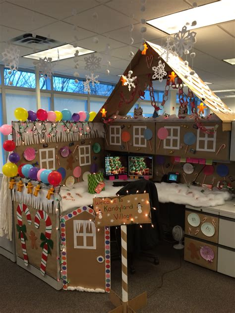 office ornament decorating contest my office cubicle for a contest i won all made was so much everyone says i m a