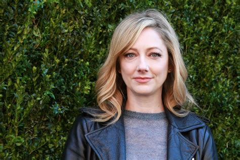 judy greer role in jurassic world nyc halloween s judy greer q a convention scene