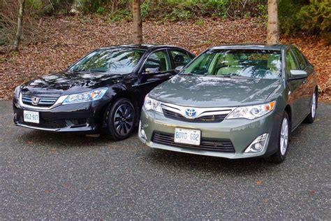 Toyota Camry Or Honda Accord 2014 Honda Accord Hybrid Vs 2014 Toyota Camry Hybrid